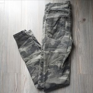 Refuge Khaki Camo Denim Jeans
